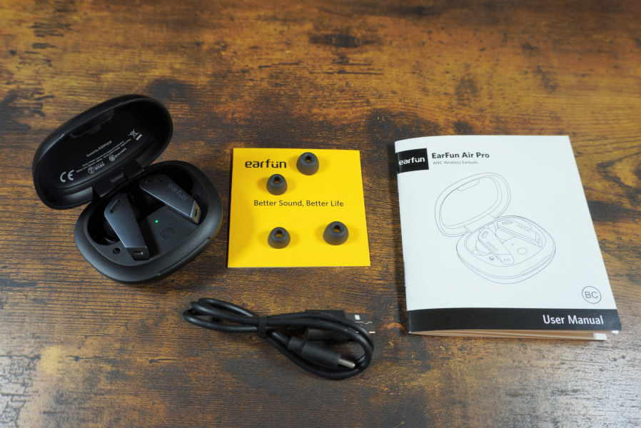 EarFun Air Pro  付属品