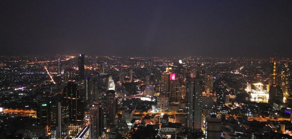 マハナコンタワーからの夜景